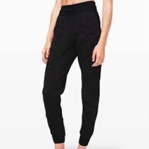 ISO: women's size 2 dance studio jogger lululemon